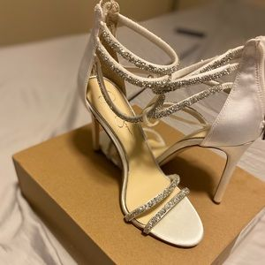 Jessica Simpson Ivory and Silver Heels